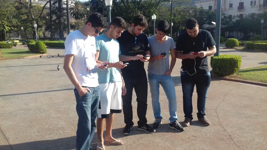 Universitários passaram a tarde na caçada virtual