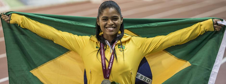 A mineira Raíssa Machado foi medalha de prata no Mundial de Atletismo em Doha, no Qatar, em 2015 - Foto Daniel Zappe/MPIX/CPB