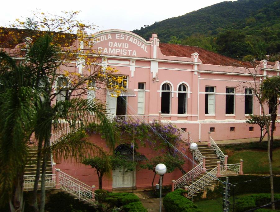 Considerada uma das maiores escolas do município, a Davi Campista foi a única ocupada