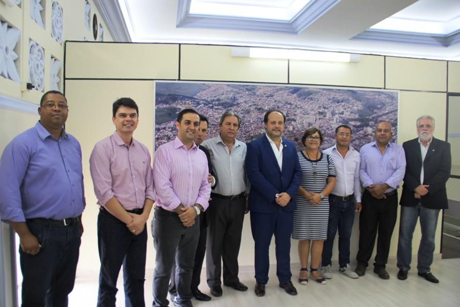 Vice-prefeito português foi recebido pelos vereadores