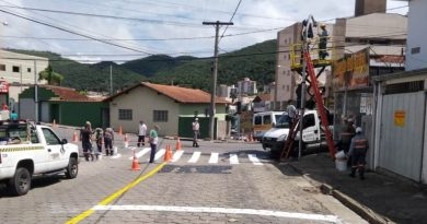 Cruzamentos críticos recebem semáforos nas zonas oeste e leste