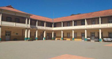 Poços cria comitê extraordinário para debater volta às aulas no município