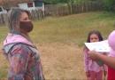 Alunos da zona rural recebem material para atividades de ensino remoto em casa
